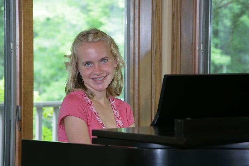 inside-piano