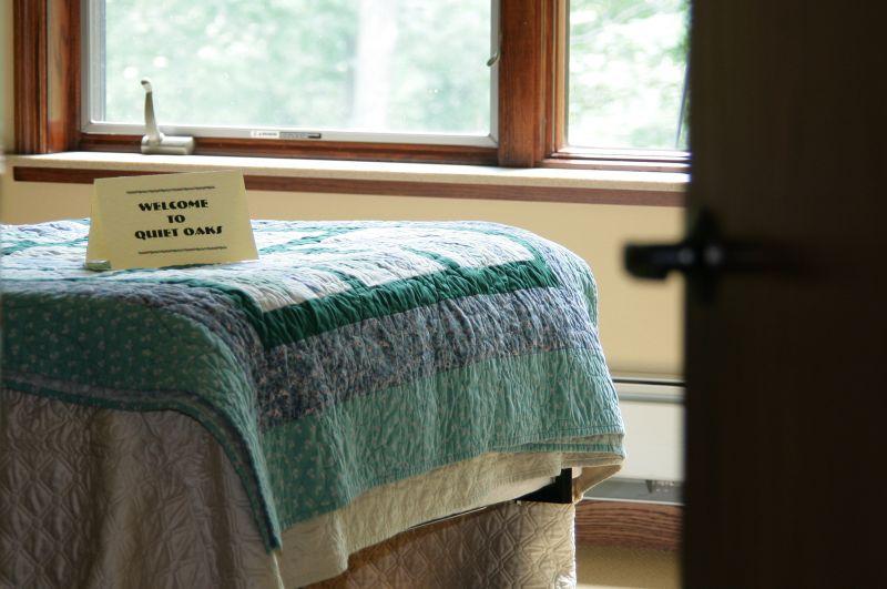 inside-room-bed