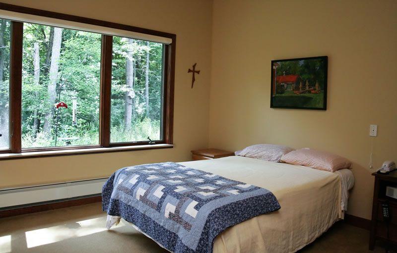 inside-room-bed2